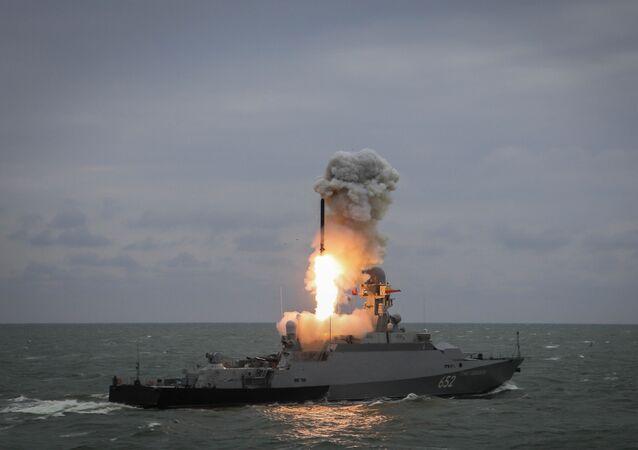 مناورات عسكرية بحرية لقوات أسطول بحر قزوين، روسيا