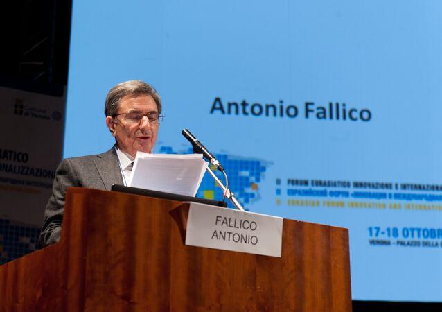رئيس مجلس إدارة مصرف إنتيزا  أنطونيو فاليكو