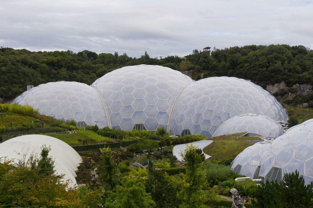 الحديقة النباتية إديم في بريطانيا