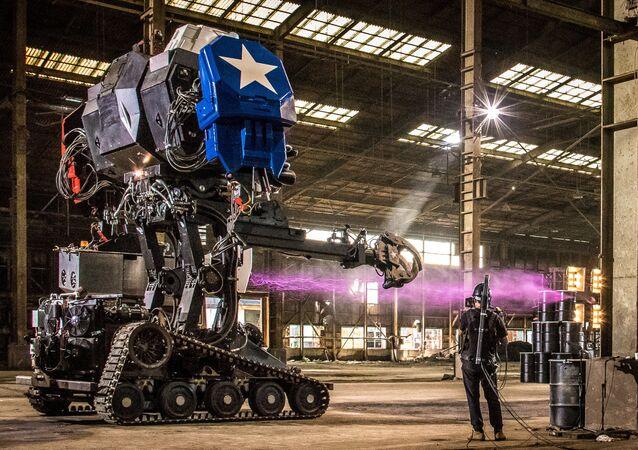 رجل آلي Eagle Prime من شركة MegaBots في كاليفورنيا، الولايات المتحدة 17 أكتوبر/ تشرين الأول 2017