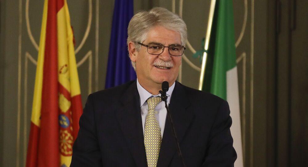 وزير خارجية إسبانيا ألفونسو داستيس