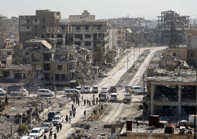 القوات الديموقراطية السورية في مدينة الرقة بعد تحريرها، سوريا 20 أكتوبر/ تشرين الأول 2017