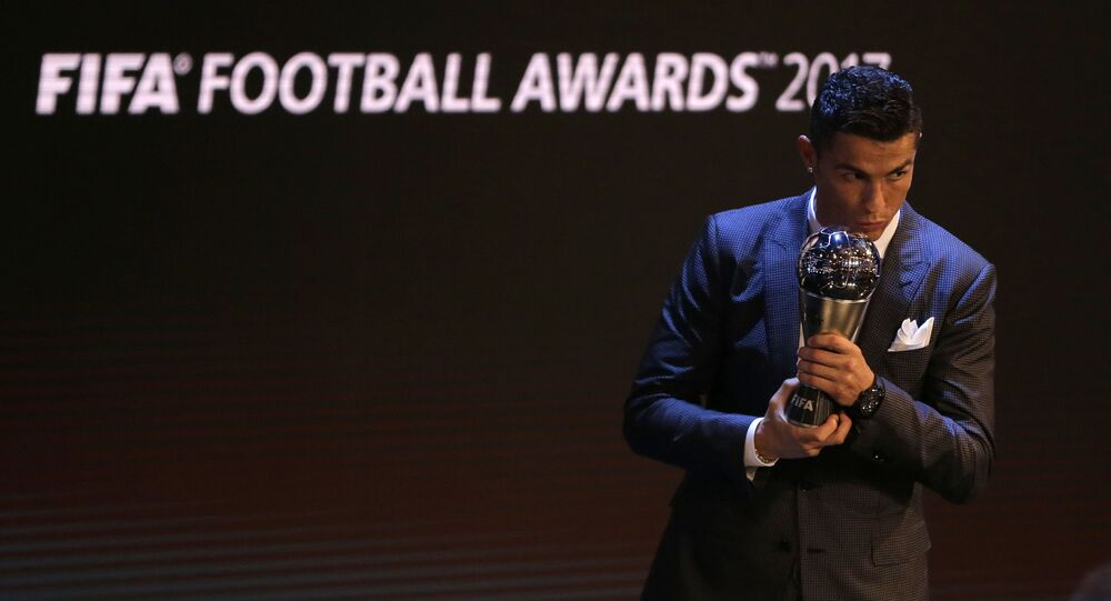 حفل توزيع جائزة الأفضل في 2017 والمقدمة من الاتحاد الدولي لكرة القدم فيفا في بريطانيا 23 أكتوبر/ تشرين الأول 2017 - كريستيانو رونالدو (ريال مدريد)