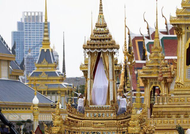 محرقة ملك تايلاند الذهبية