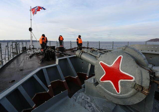 سفينة كبيرة سيفيرومورسك المضادة للغواصات، والتابعة لقوات الأسطول البحر الشمالي الروسية، بحر بارنتس