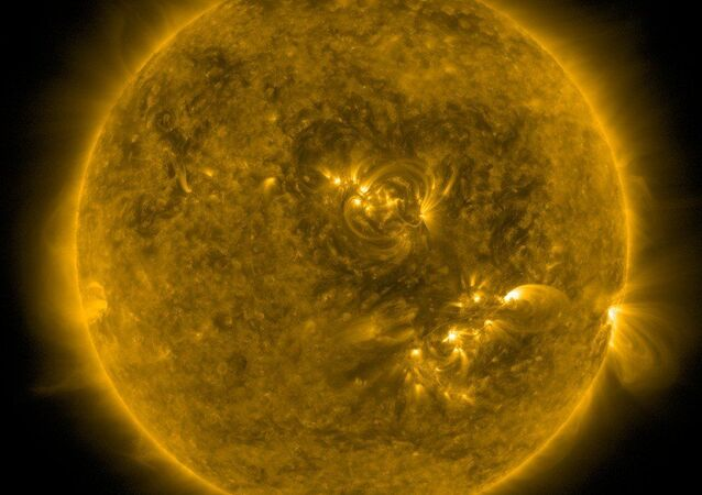 شكل القلب من صنع المجالات المغناطيسية على سطح الشمس