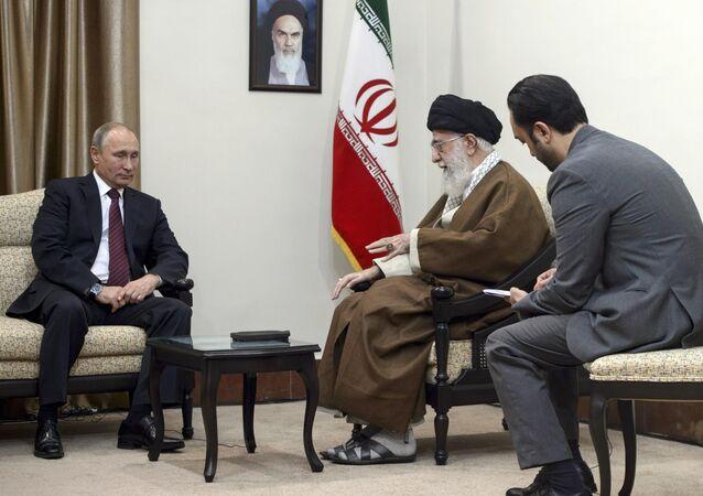 لقاء بوتين وروحاني وعلييف