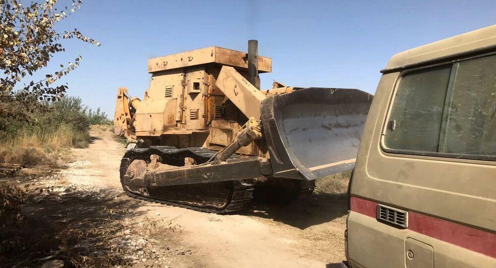 بلدوزر الجيش السوري