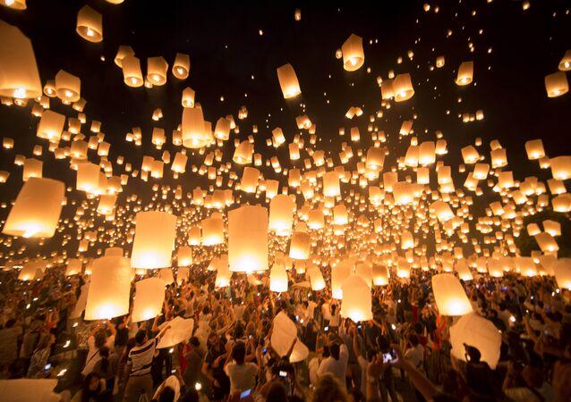 مهرجان لوي كراثونغ في تايلاند