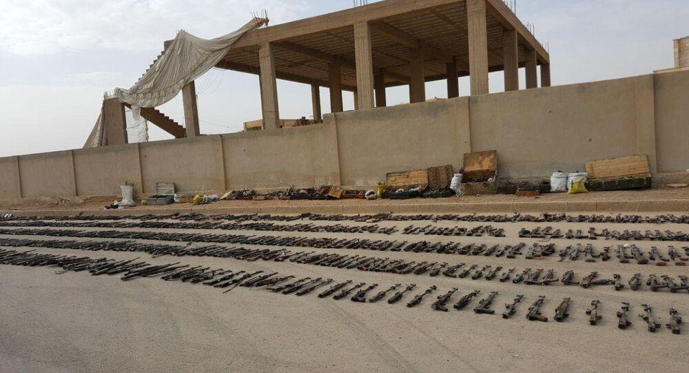 الجيش السوري يعثر على سيارة مفخخة بها عبوة تحتوى مواد كيميائية خلال تمشيطه دير الزور