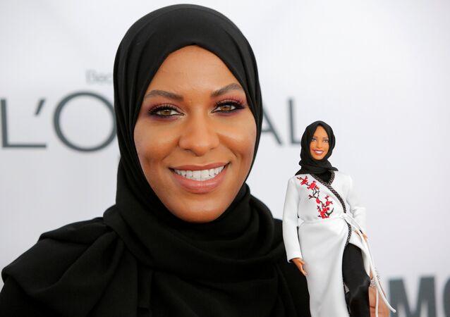دمية باربي ترتدي الحجاب رسميا