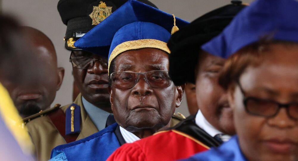 أول ظهور لرئيس زيمبابوي موغابي بعد الانقلاب