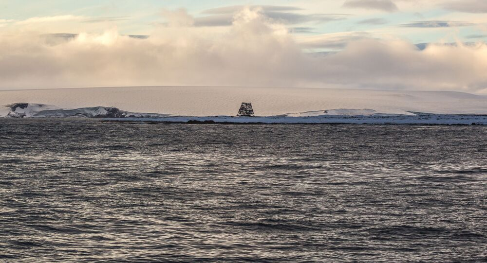 أرخبيل أرض فرانس جوزيف في بحر بارنتس في منطقة القطب الشمالي
