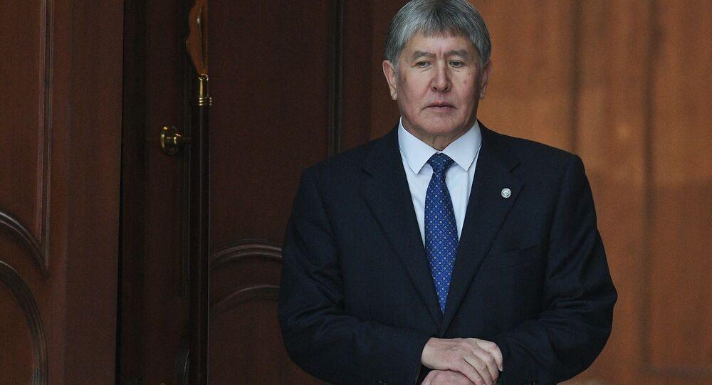 الرئيس القيرغيزستاني، ألمازبيك أتامباييف،