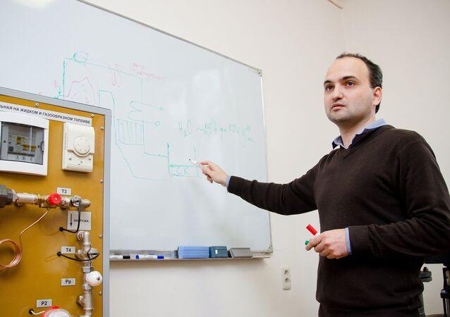 تطوير أساليب المجمعات الشمسية في المحطات الكهرحرارية
