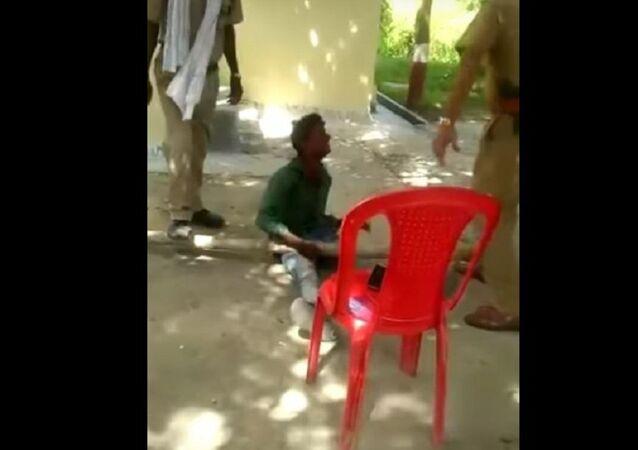 تعذيب متسول في الهند