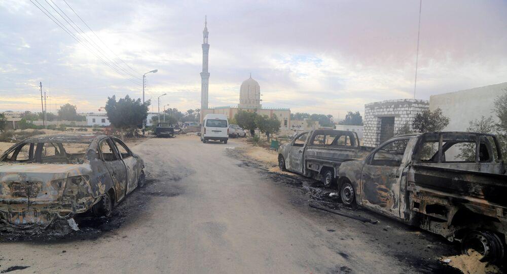 الدمار نتيجة الهجوم الإرهابي على المسجد شمال سيناء