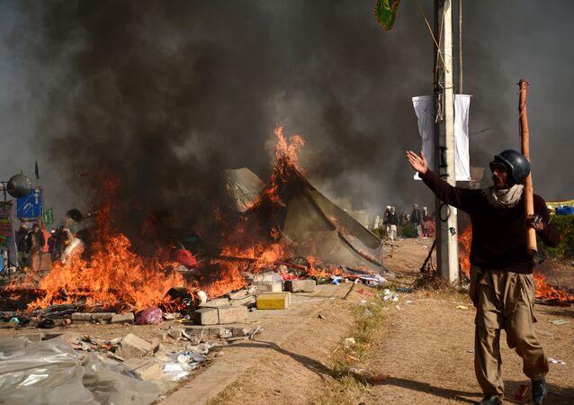 المتظاهرون في باكستان