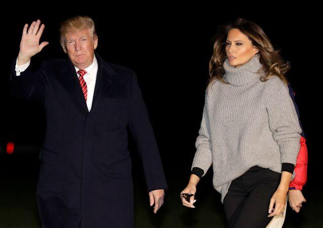 ترامب وعائلته يعودون إلى واشنطن بعد العطلة
