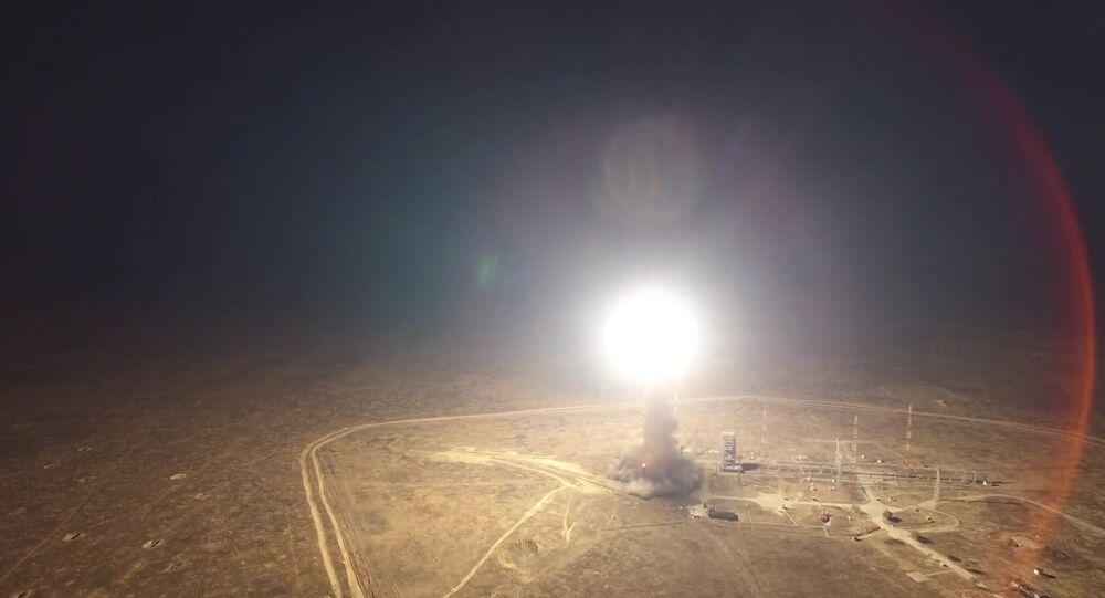 إطلاق صاروخ توبول من موقع كابوستين يار