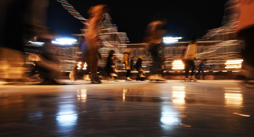 افتتاح موسم التزلج على الجليد على الساحة الحمراء في موسكو