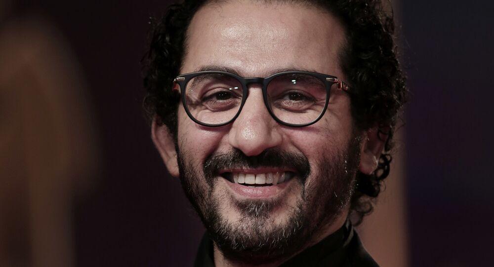 الممثل المصري أحمد حلمي في حفل افتتاح مهرجان القاهرة السينمائي الدولي الـ 39