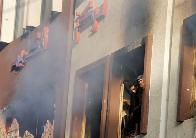 اشعال حريق في منزل الرئيس اليمني السابق علي عبدالله صالح في صنعاء، اليمن 4 ديسمبر/ كانون الأول 2017