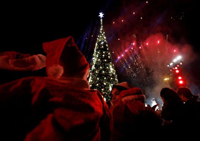 إضاءة شجرة عيد الميلاد في بيروت، لبنان 10 ديسمبر/ كانون الأول 2017