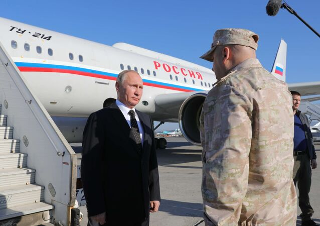 وصول بوتين إلى قاعدة حميميم في سوريا