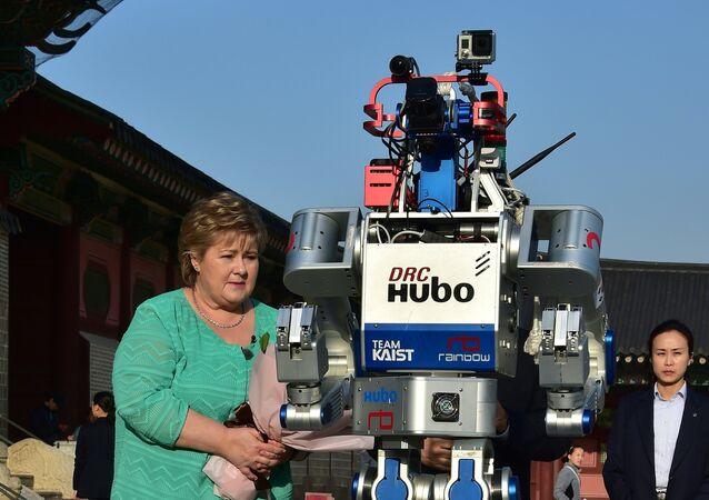 الروبوت هوبو المشارك في مراسم الشعلة الأولمبية في كوريا الجنوبية