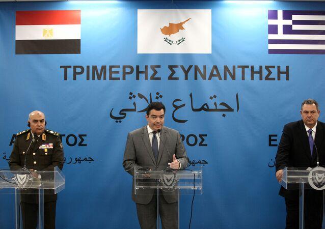 وزراء دفاع مصر وقبرص واليونان