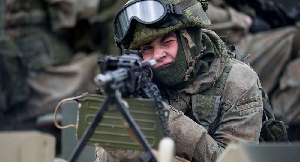 الاحتفال بالذكرى السنوية الـ 50 لتأسيس لواء منفصل من سلاح البحرية التابع لأسطول البحر الأسود في سيفاستوبل، القرم، روسيا