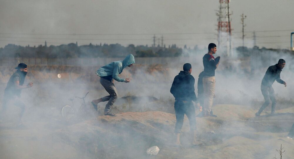 القوات الإسرائيلية تطلق الرصاص المطاطي على متظاهرين فلسطينيين 22-12-2017