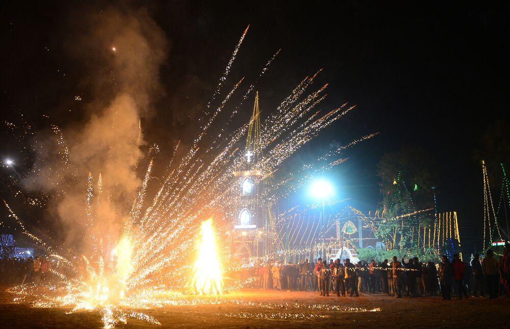 الاحتفالات بعيد الميلاد المجيد - الله آباد، شمال الهند 24 ديسمبر/ كانون الأول 2017