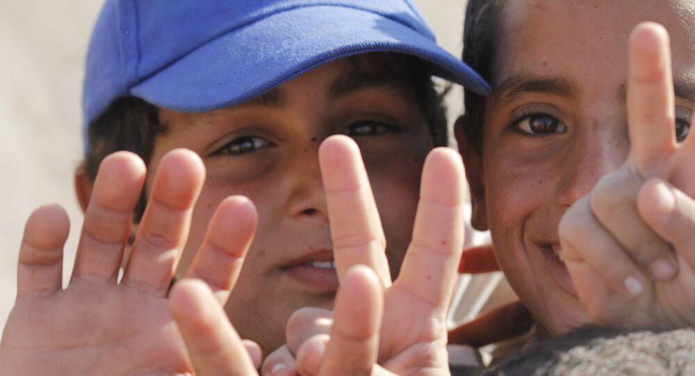 أطفال في البوكمال