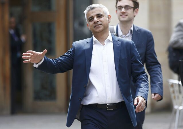 رئيس بلدية لندن صديق خان