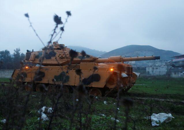 القوات التركية تصل إلى الحدود التركية السورية