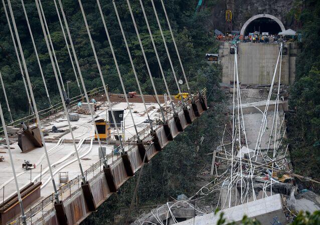 إنهيار جسر في فيغويابيتال الذي يربط بين بوغوتا وفيلافيسينسو، كولومبيا 15 يناير/ كانون الثاني 2018
