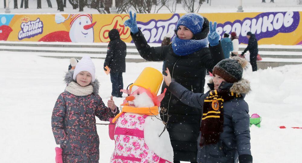 مسايقة فن عمل رجل الثلج في موسكو