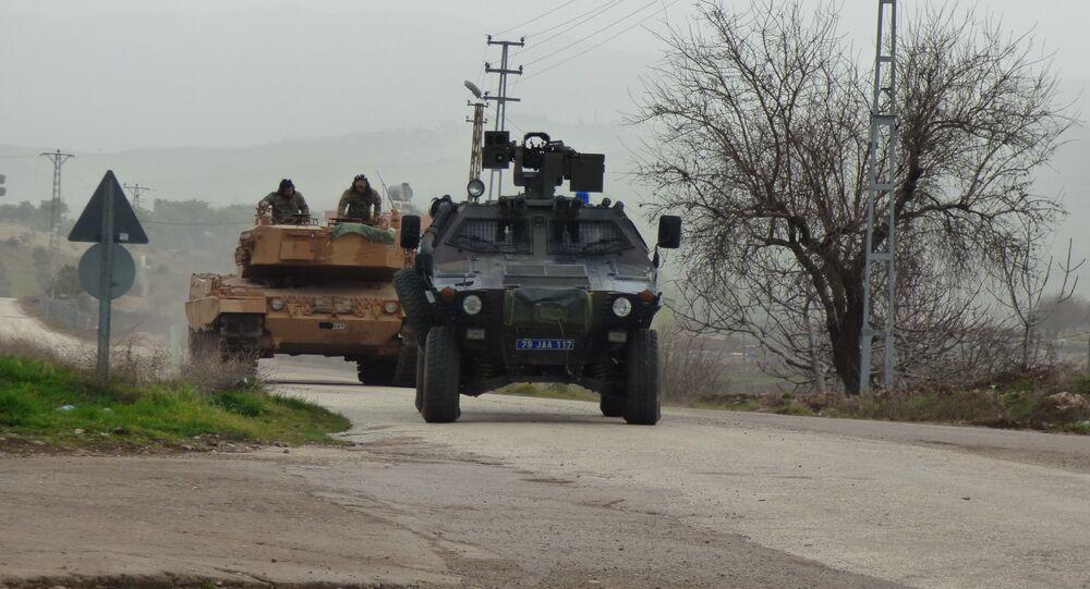 قوات الجيش التركي على الحدود السورية التركية