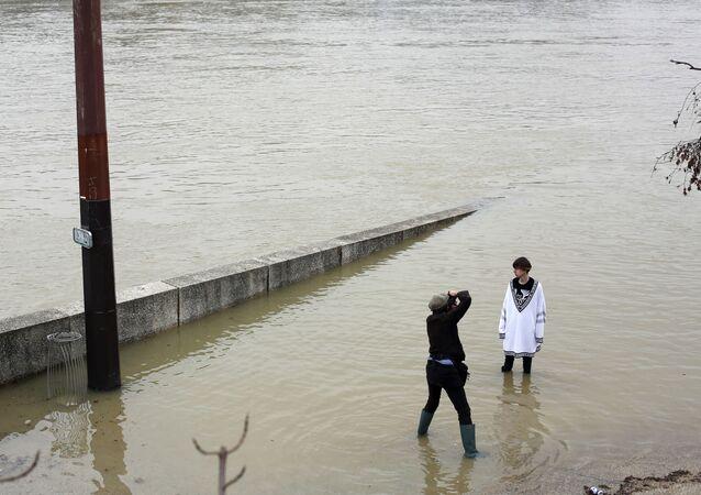 فيضان في نهر السين، باريس، فرنسا 27 يناير/ كانون الثاني 2018