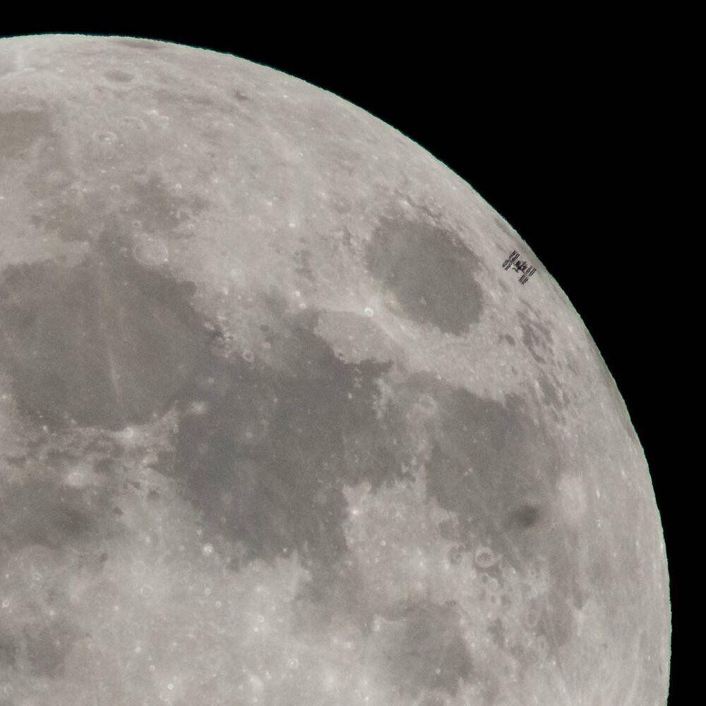 محطة الفضاء الدولية تمر بالقرب من القمر، 30 يناير/ كانون الثاني 2018
