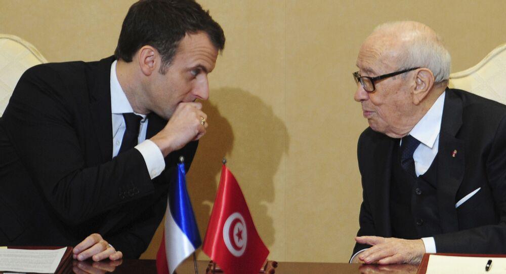 زيارة الرئيس الفرنسي إيمانويل ماكرون إلى تونس، زيارته للسفارة الفرنسية فرنسا في تونس، الرئيس الفرنسي مع الرئيس التونسي الباجي قائد السبسي، 31 يناير/ كانون الثاني 2018
