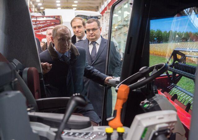 بوتين خلال زيارة عمل إلى روستوف على الدون