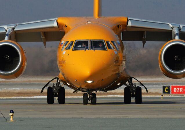 طائرة ركاب من نوع إن-148