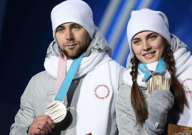 الثنائي الروسي ألكسندر كروشيلنيتسكي و مواطنته أناستاسيا بريزغالوفا