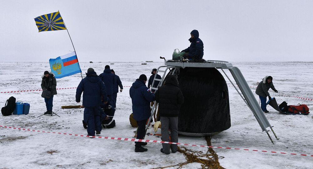 عودة 3 رواد فضاء إلى الأرض بعد قضاء 168 يوما في المحطة الدولية