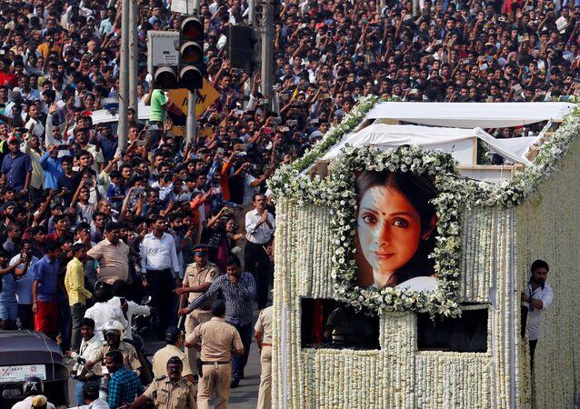 جنازة نجمة بليود الممثلة الهندية سريديفى كابور