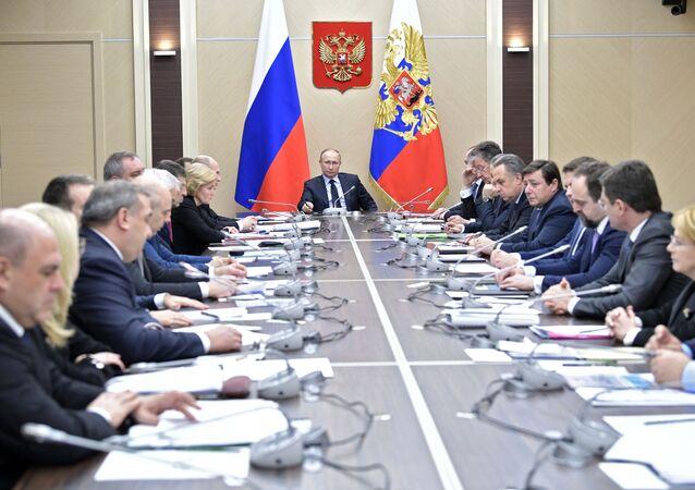 الرئيس فلاديمير بوتين خلال الاجتماع مع أعضاء مجلس الأمن الروسي، 31 يناير/ كانون الثاني 2018