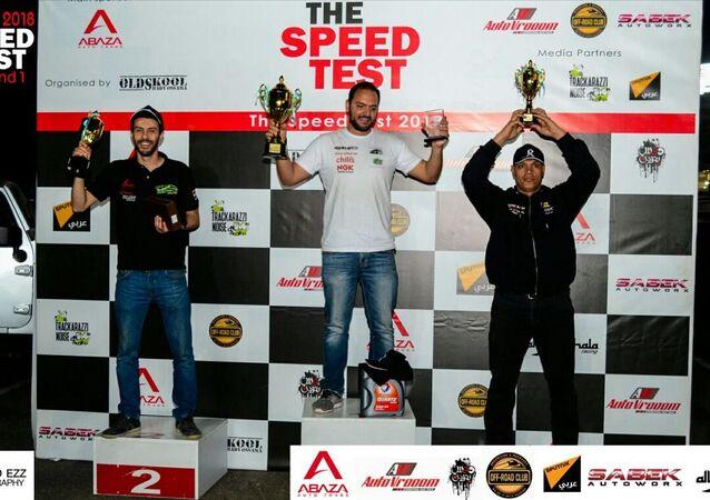 الفائزون في سباق تي إس تي للسيارات في العاصمة المصرية القاهرة في مارس/آذار 2018